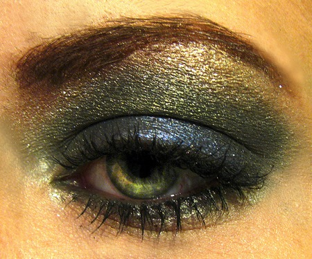 Deep Green Eyeshadow. photo by courtney murray rhodes