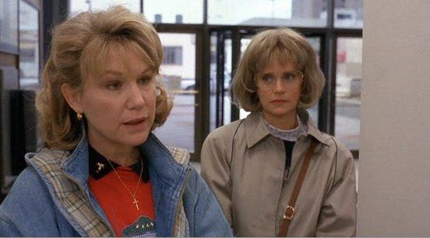 Swoosie Kurtz and Mary Kay Place in Citizen Ruth.