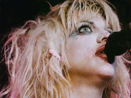 Courtney Love crazy eyes.